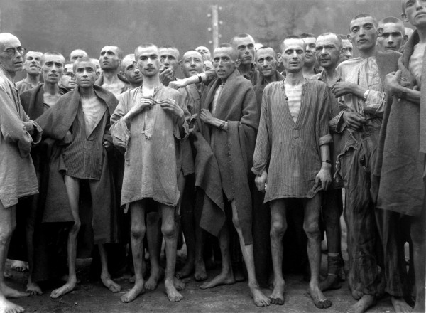 Ebensee_concentration_camp_prisoners_1945